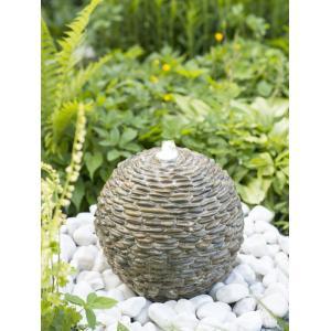 Waterornament trente met natuursteentjes met een waterornament brengt u een rustgevende sfeer in uw tuin. het ...